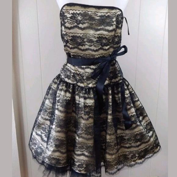 cae1240f5c Jessica McClintock Dresses   Skirts - Jessica McClintock Gunne Sax Dress